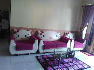 A seating area at Rumah Helokity