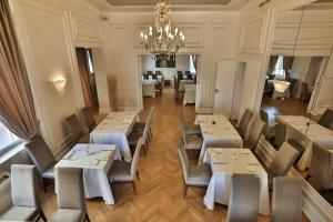 A restaurant or other place to eat at Padam Boutique Hotel