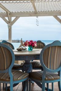 A balcony or terrace at Silver Sun Studios & Apartments