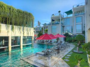 The swimming pool at or close to FuramaXclusive Ocean Beach Seminyak Bali