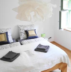 Ein Bett oder Betten in einem Zimmer der Unterkunft Ferienwohnung auf der Insel