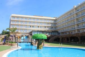 Het zwembad bij of vlak bij Evenia Olympic Resort