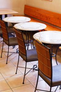 A seating area at R&B Hotel Hakata Ekimae 1