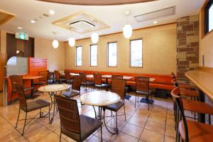 A restaurant or other place to eat at R&B Hotel Hakata Ekimae 1