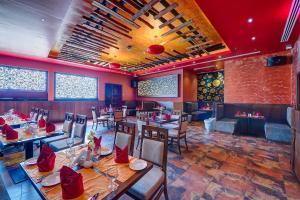 Εστιατόριο ή άλλο μέρος για φαγητό στο Raintree Rolla Hotel