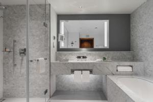Ванная комната в Отель Hilton Санкт-Петербург Экспофорум