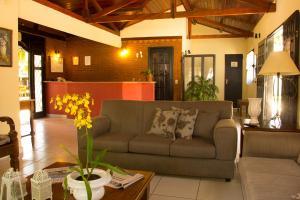 The lobby or reception area at Hotel Moradas do Penedo