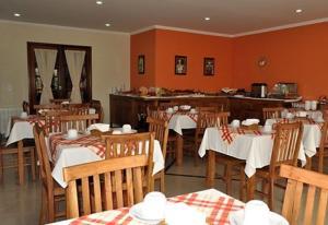 A restaurant or other place to eat at Pousada Serra do Jordão