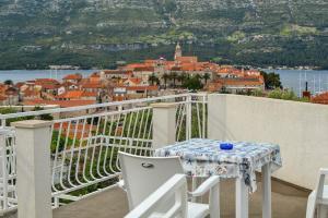 A balcony or terrace at Accommodation Drasko
