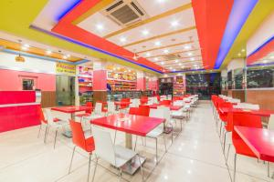 A restaurant or other place to eat at Hotel Heeralal