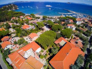 A bird's-eye view of Hotel Marelba