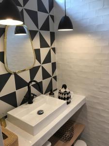 A bathroom at Le Lodi