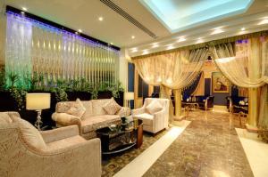 O saguão ou recepção de Sanam Hotel Suites - Riyadh
