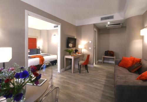 A seating area at Hotel Villa Maria Regina