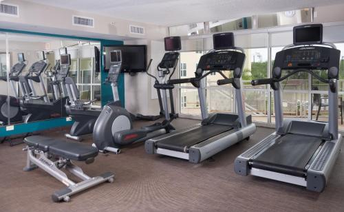 The fitness center and/or fitness facilities at Residence Inn Orlando Airport