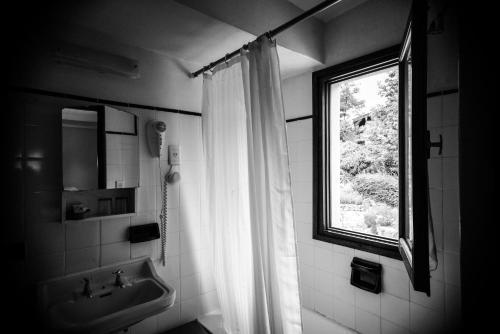 A bathroom at Hotel Las Cascadas