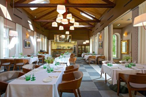 Restaurace v ubytování Zámek Ratměřice - Hotel & Resort