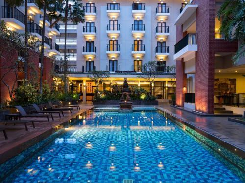 The swimming pool at or close to Hotel Santika Premiere Malang