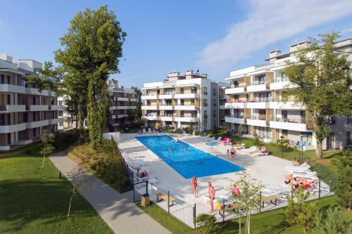 Widok na basen w obiekcie Apartament HORYZONT lub jego pobliżu