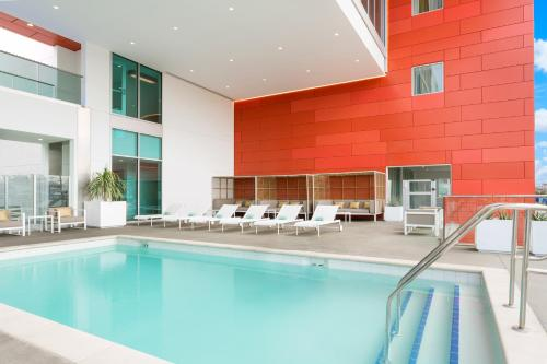 The swimming pool at or near Courtyard by Marriott Santa Monica