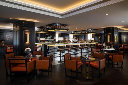 מסעדה או מקום אחר לאכול בו ב-Hilton Vienna Plaza