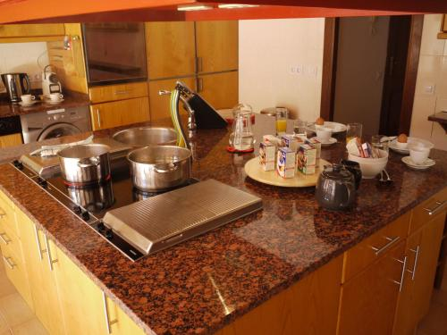 A kitchen or kitchenette at The Loft by Ski Bike & Hike Hospitality