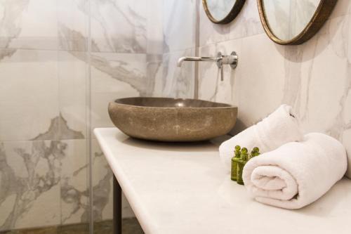 Ένα μπάνιο στο Πέτρινο