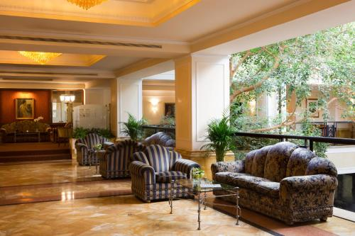 The lobby or reception area at Starhotels Du Parc