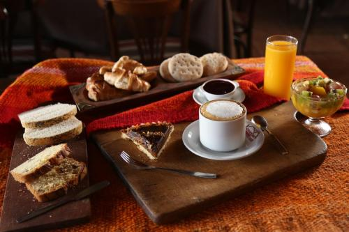 Breakfast options available to guests at Hostería Lunahuana