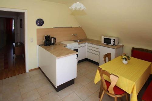 Küche/Küchenzeile in der Unterkunft Elzachferien