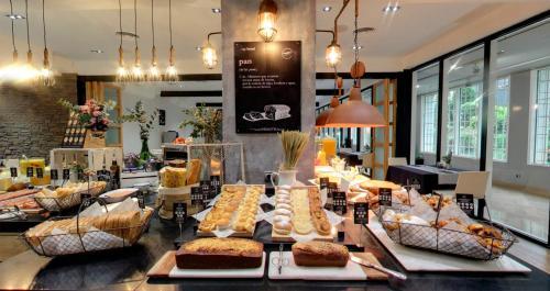 Un restaurante o sitio para comer en Hotel Silken Indautxu