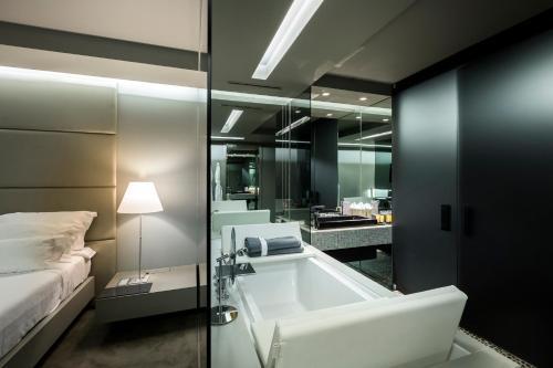 Ванная комната в The Vine Hotel
