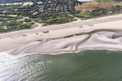 Een luchtfoto van Kijkduinhuis