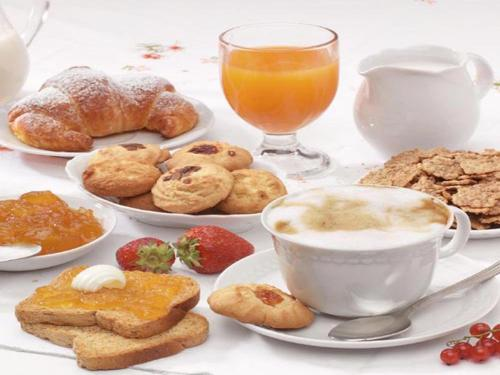 Breakfast options available to guests at Salernoprestige