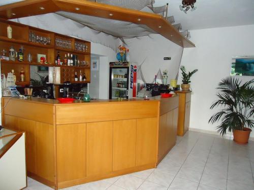 El salón o zona de bar de Panorama Hotel