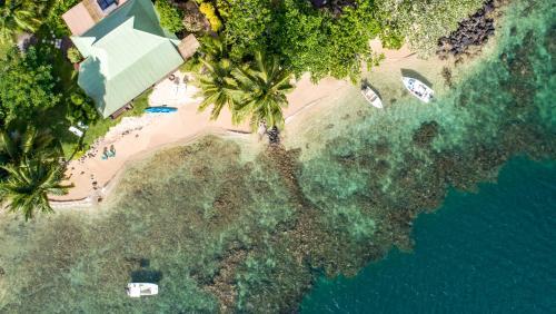 Uma vista aérea de Robinson's Cove Villas - Deluxe Cook Villa