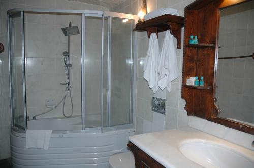 Salle de bains dans l'établissement Elkep Evi Cave Hotel