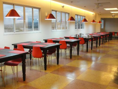 A restaurant or other place to eat at Colatina Plaza Hotel