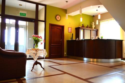 The lobby or reception area at Hotel Wielkopolanka