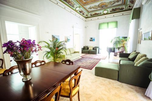 A seating area at NapoliMia Hotel