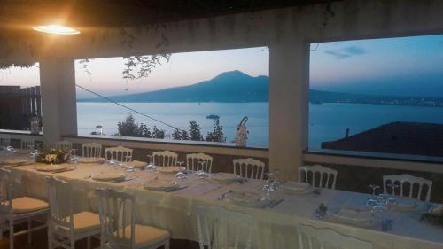 A restaurant or other place to eat at Hotel Elisabetta