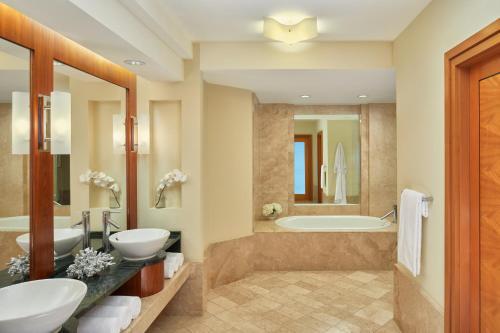 A bathroom at The Cove at Atlantis