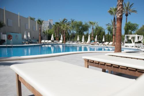 Poolen vid eller i närheten av BH Mallorca Apartments