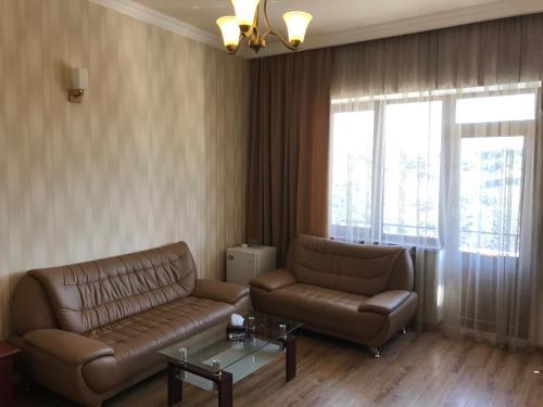 Гостиная зона в Capital Hotel