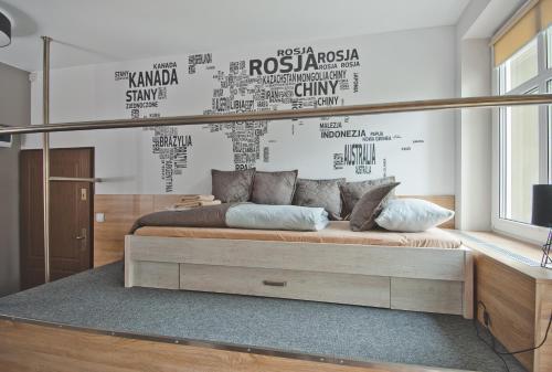 A seating area at Apartamenty Leszno