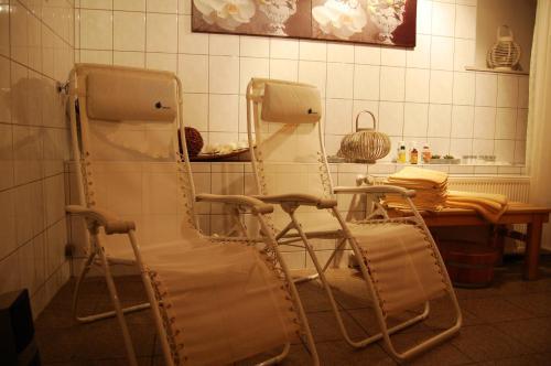 A bathroom at City-Hotel Am Wasserturm Halle