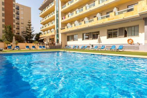 Het zwembad bij of vlak bij BQ Andalucia Beach Hotel