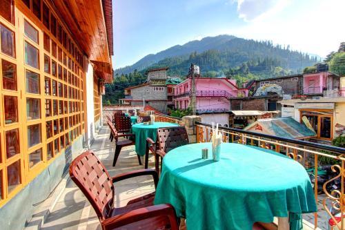 A balcony or terrace at Dragon Inn