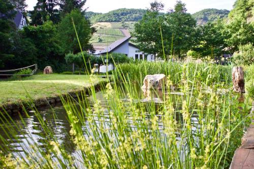 Ein Garten an der Unterkunft Hotel Ostermann