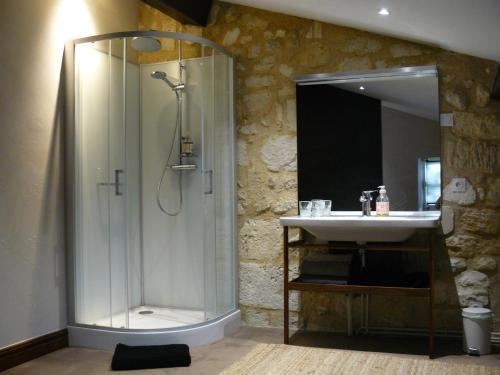 A bathroom at Chateau de la Vieille Chapelle